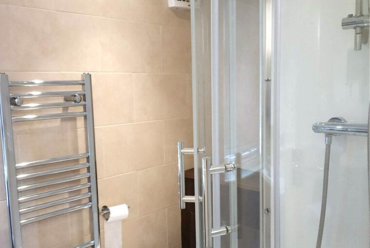 Flat Q Sentosa Bathroom